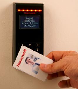 Hệ thống kiểm soát vào ra Honeywell Pro-Watch